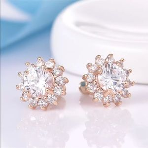 18k white sapphire stud earrings